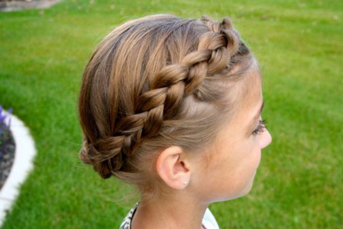 17 Fun and Easy Back-to-School Hairstyles for Girls - The Krazy Coupon Lady