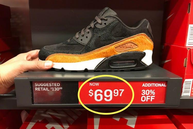 nike company shoes price
