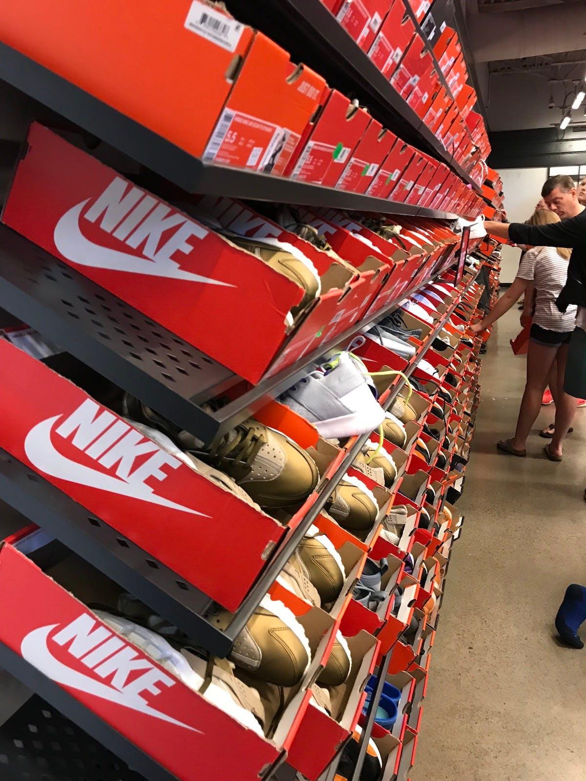 traición conveniencia Adaptabilidad  nike clearance store black friday Shop Clothing & Shoes Online