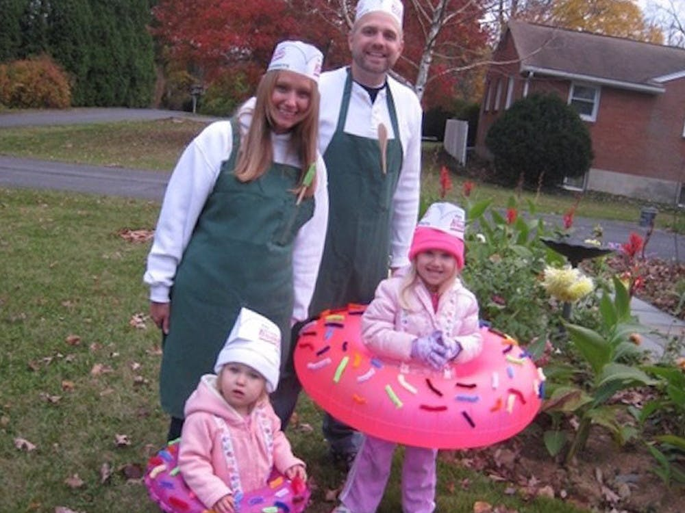 The Best Family Halloween Costumes On The Internet The Krazy Coupon Lady