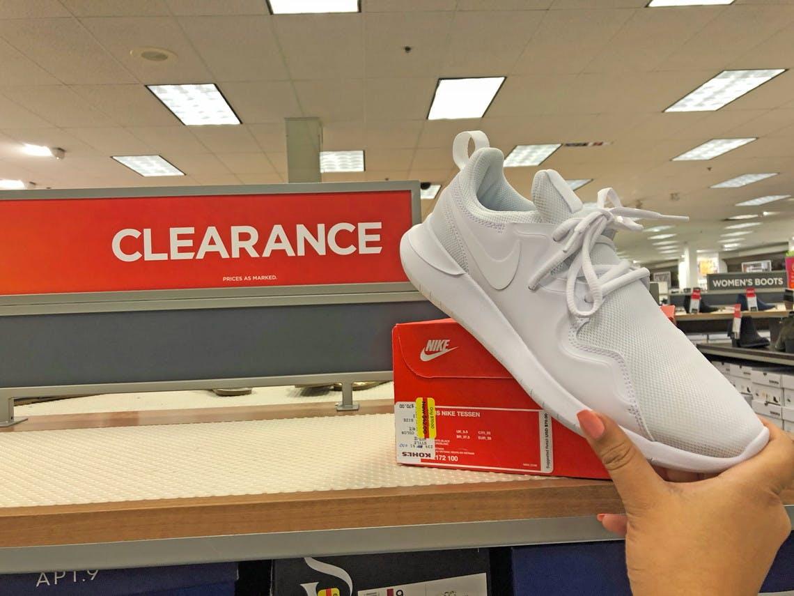 kohls womens nike sneakers