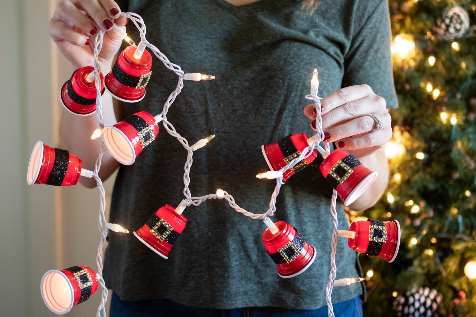 15 Dollar Store Christmas Diy Projects Anyone Can Do The Krazy Coupon Lady
