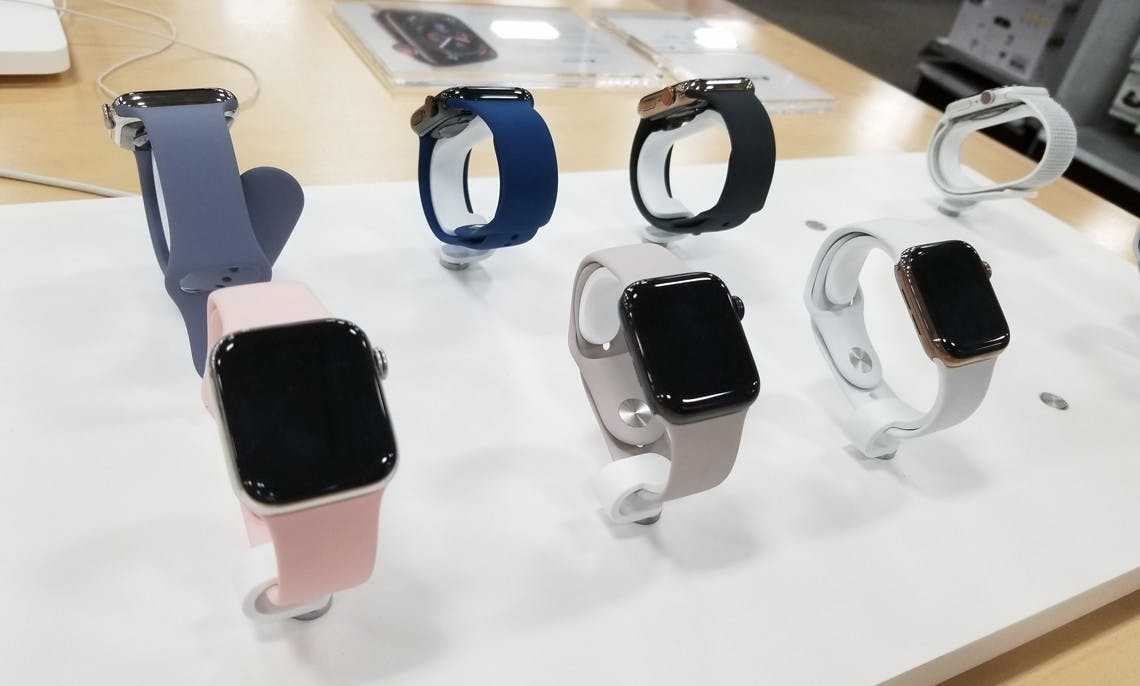 Apple Watch Series 5 Gps Cellular 300 Off At Best Buy The Krazy Coupon Lady