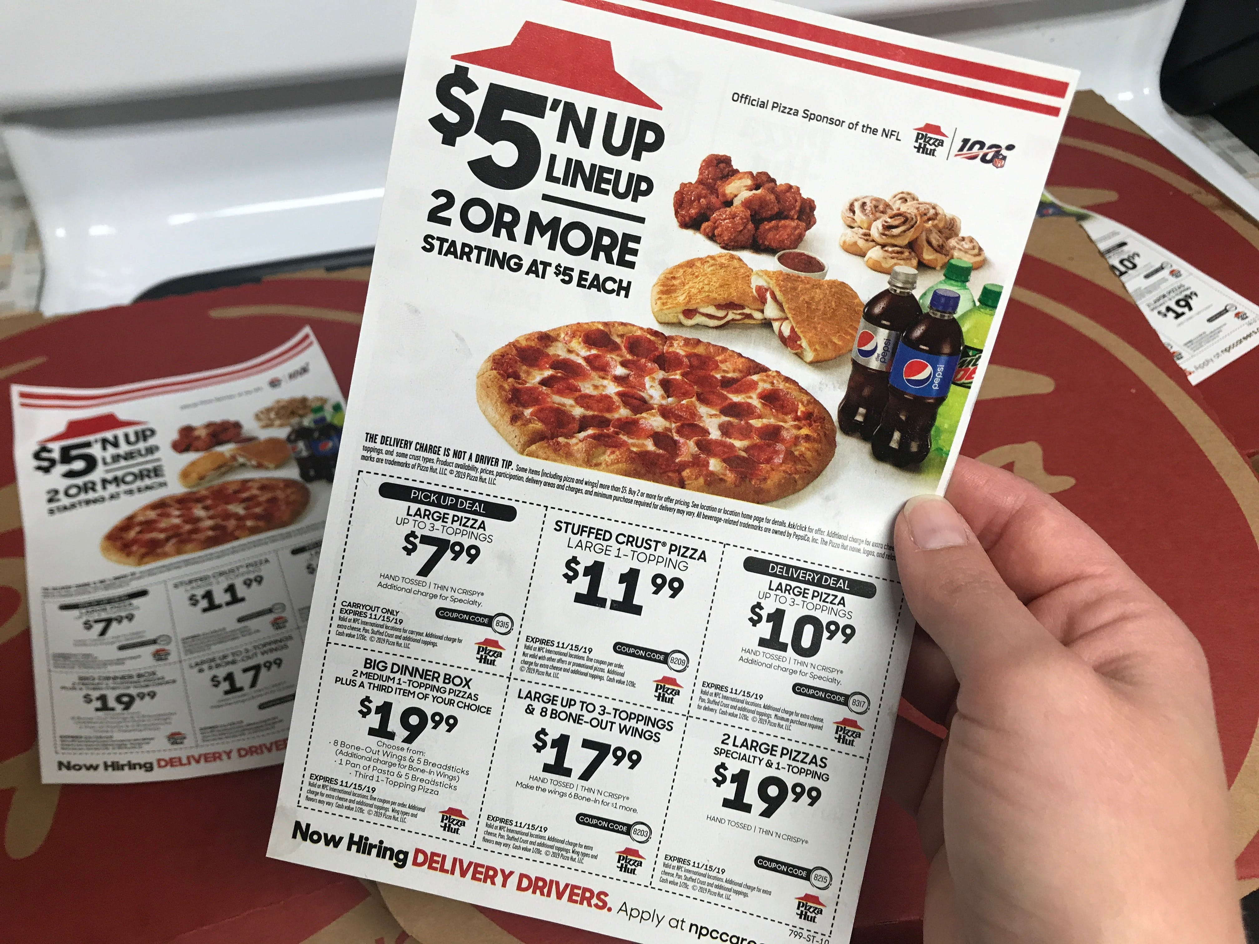 17 Pizza Hut Deals And Savings Tricks You Can T Live Without The Krazy Coupon Lady