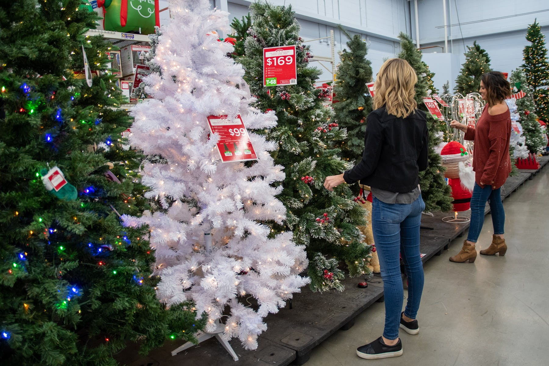 Best Holiday Black Friday Christmas Tree Deals 2020 Deals Still Available The Krazy Coupon Lady